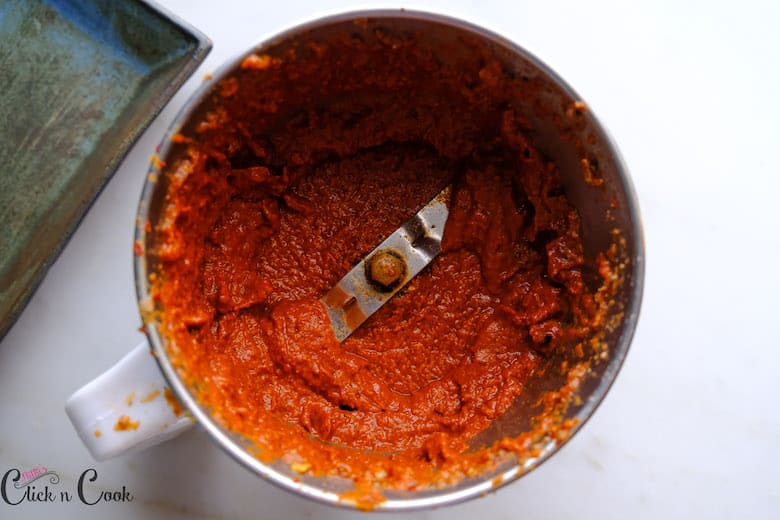 ground masala is in blender jar