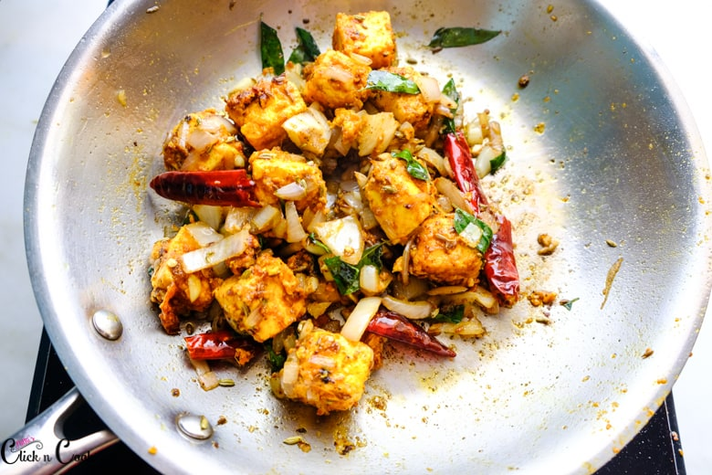paneer tikka recipe is cooked in pan