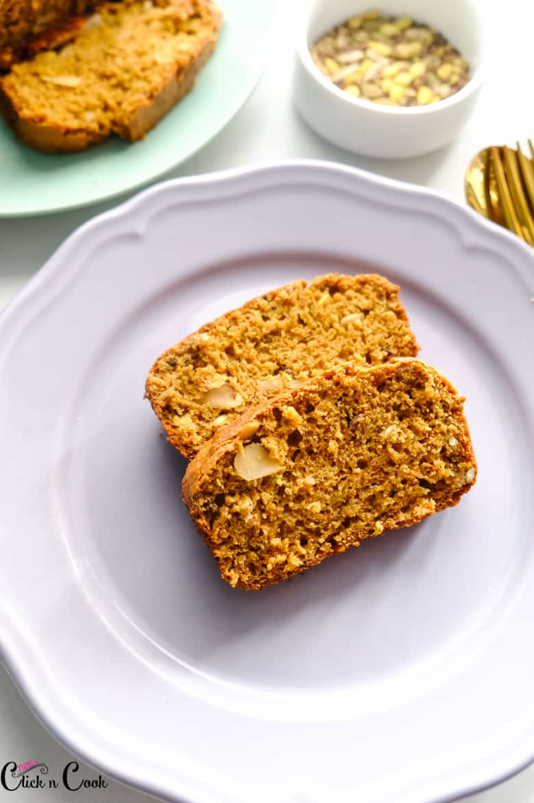 zucchini bread recipe is served in plate