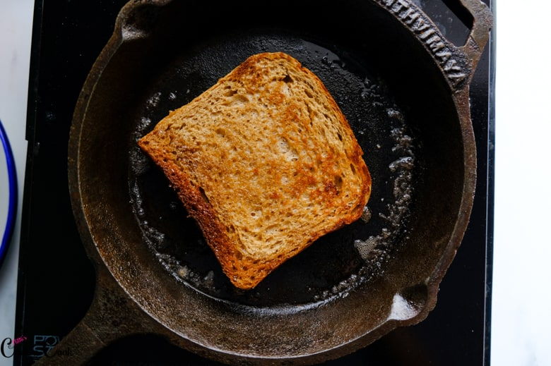 toasted bread in iron pan